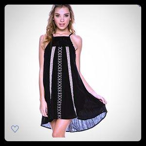 O'Niell Juniors Virginia Embroidered Halter dress
